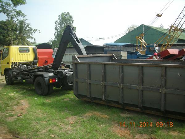 multi-hooklift-truck